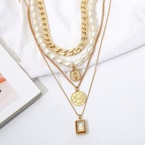 🆕Multilayer Coin & Pearl Pendant Choker Necklace
